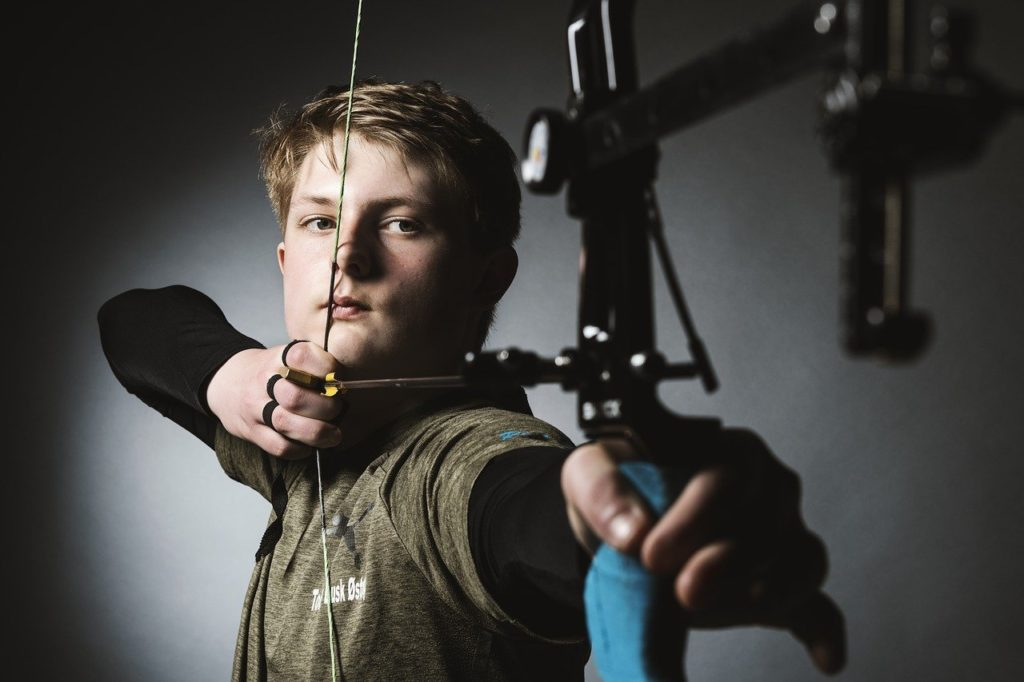 bow aiming compound bow