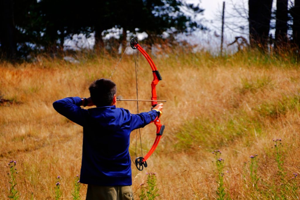 PSE Optima Heritage Recurve Bow works well in many weather conditions.