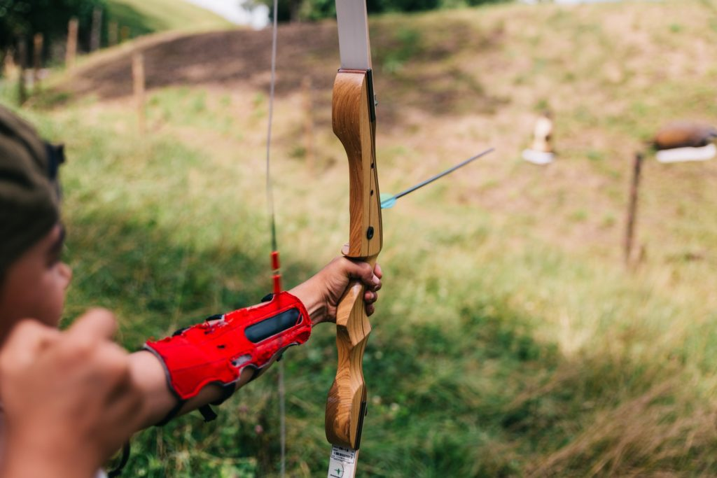 The SAS Explorer Metal Takedown Recurve Bow Review should be read before purchasing.